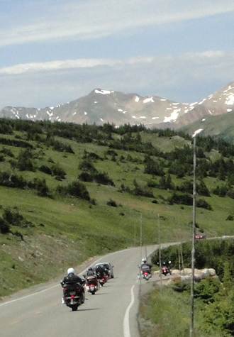 motorcycles on Trail Ridge Road