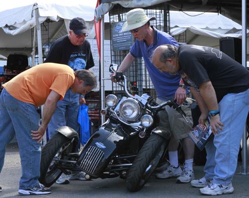Tilting motorcycle